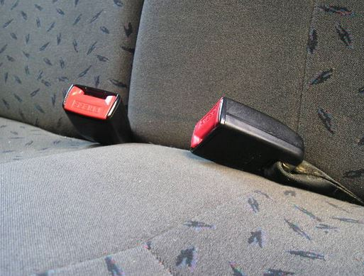 seat belts should be used at 5 seat belt use lap-and-diagonal belts provide more protection and should be used before lap-only belts adjust the seat belt so that the lap belt is as low as.