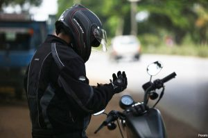 A motorcycle accident lawyer in Manhattan explains what safety gear is needed in NYC